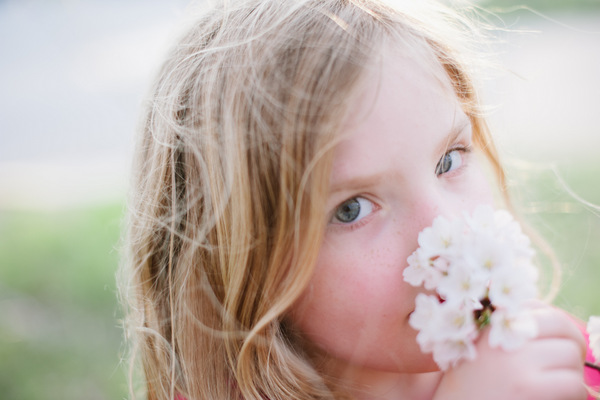 Cherry Blossom child portraits by Washington DC photog Kelsey Gerhard