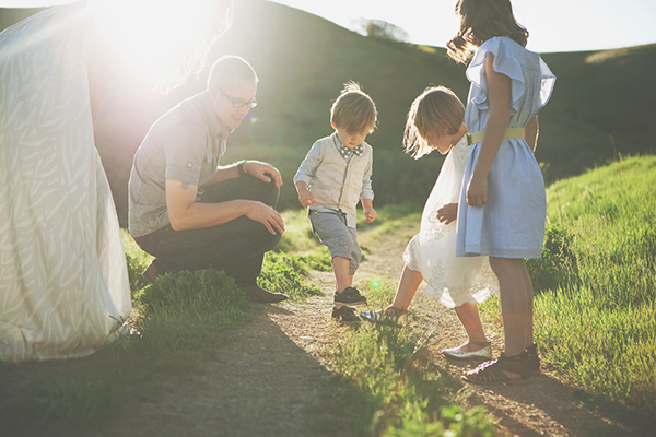 beautiful natural light family photos with Utah photographer Summer Murdock