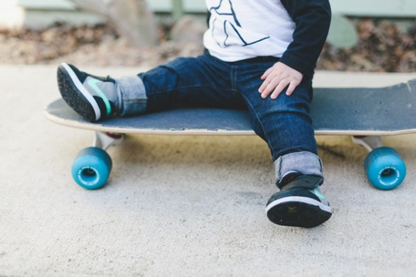 toddler on skateboard photo by kelly christine