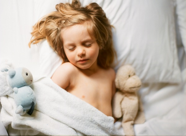 a beautiful life photo's pic of boy in bed sleeping