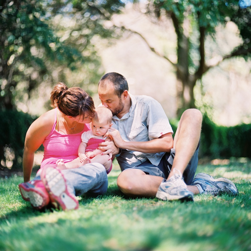 brothers wright's pic of family on grass with mom in pink shirt