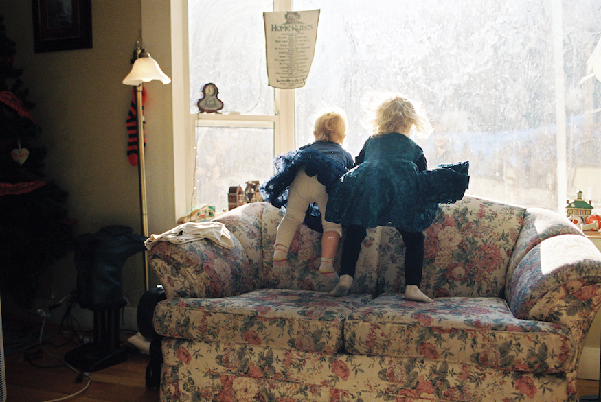 Rebecca Siewert Photography's film image of kids on couch