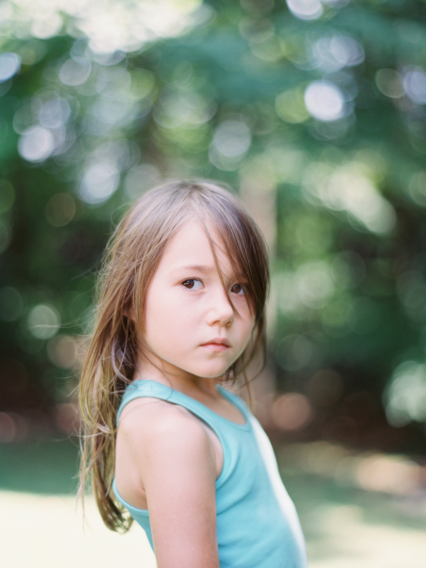 gorgeous outdoor portrait of girl by photographer mara wolff