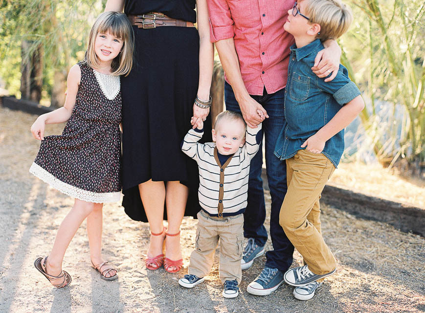 outdoor family of five photo by California photographer Lizzie Metcalf