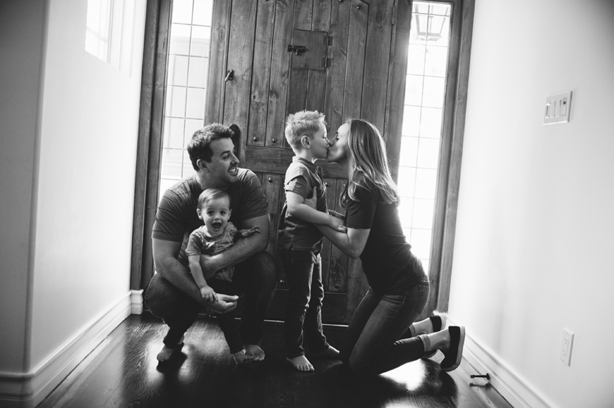 sharon de la o's image of family saying goodbye to house