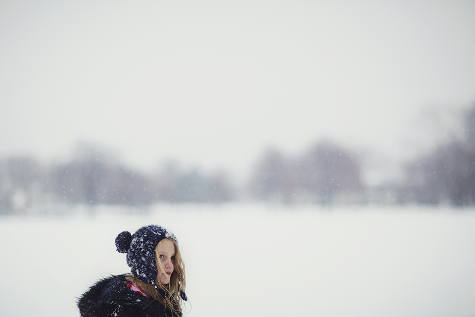 snappy apple photography's pic of girl in snow hat in snow
