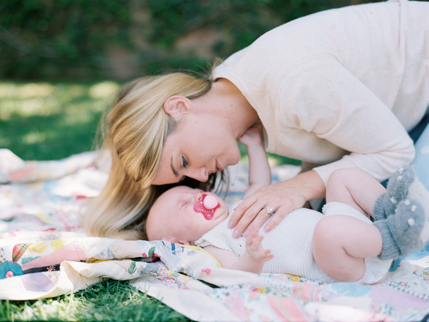 kauai rachel thurston's image of mom kissing baby outside