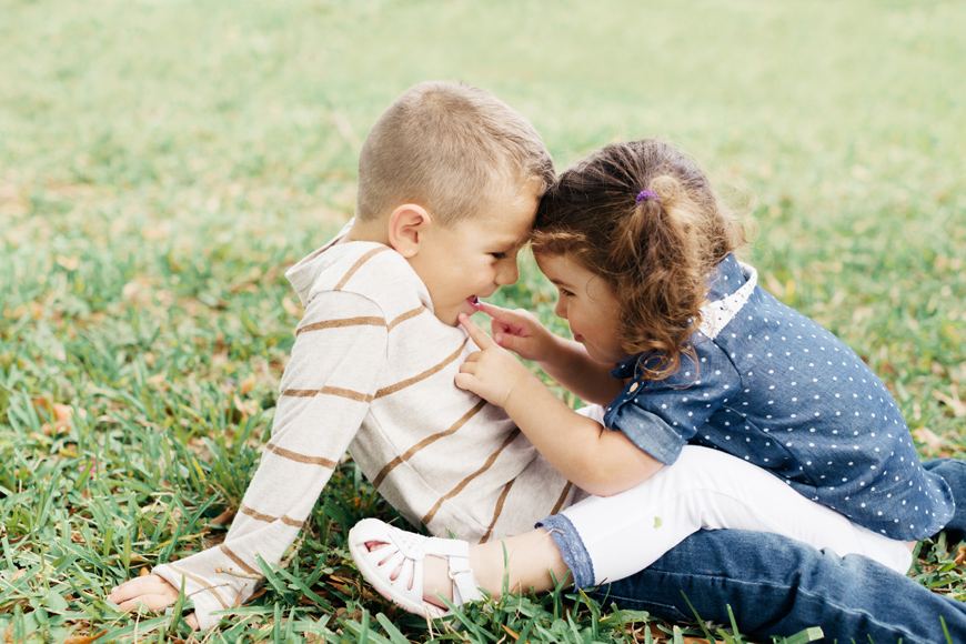 miami photographer Elaine Palladino's portraits of sister and brother playing together