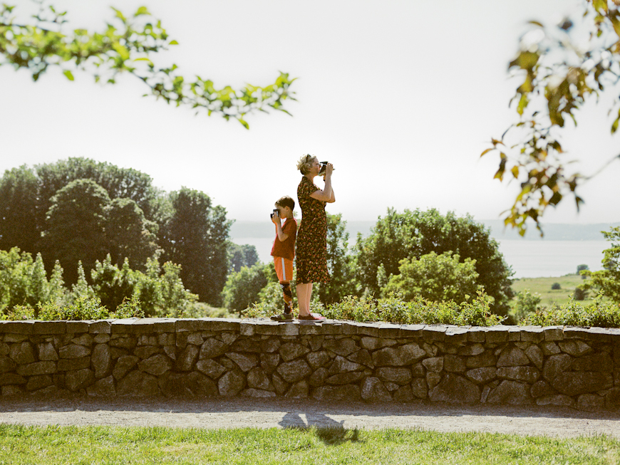 photo-of-mom-and-son-taking-pictures-in-park-by-sandra-coan
