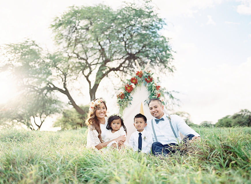 picture of Floyd Fajardo and family by Hawaii film photographer Alisa Greig