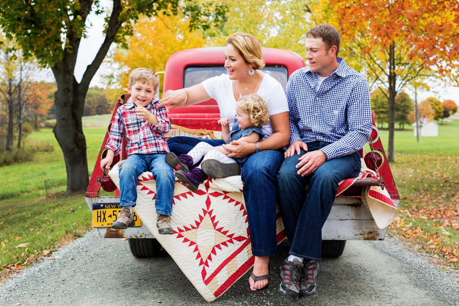 tracey buyce saratoga ny family photographer's image of family in red truck