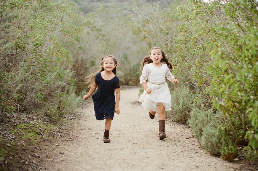 image of two girls running by eric vargas