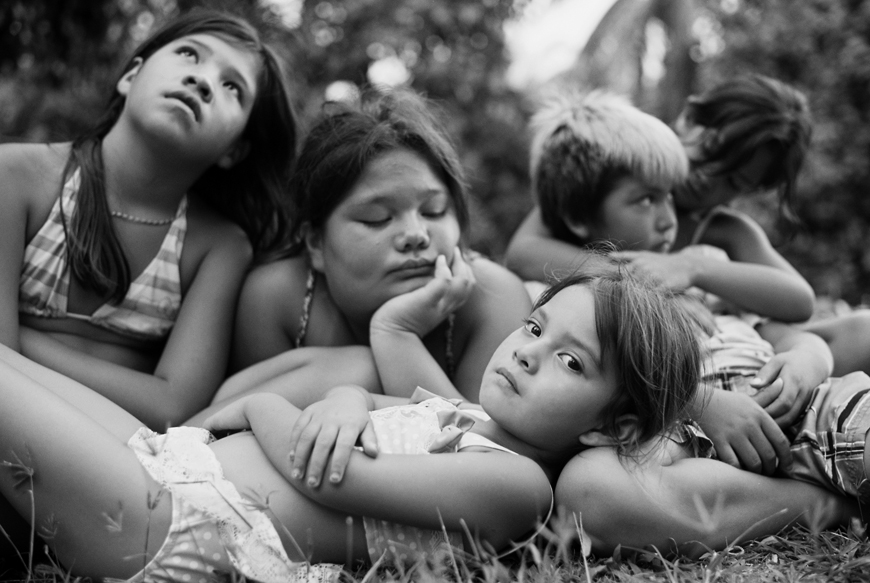 jonathan canlas's black and white image of local hawaiian kids