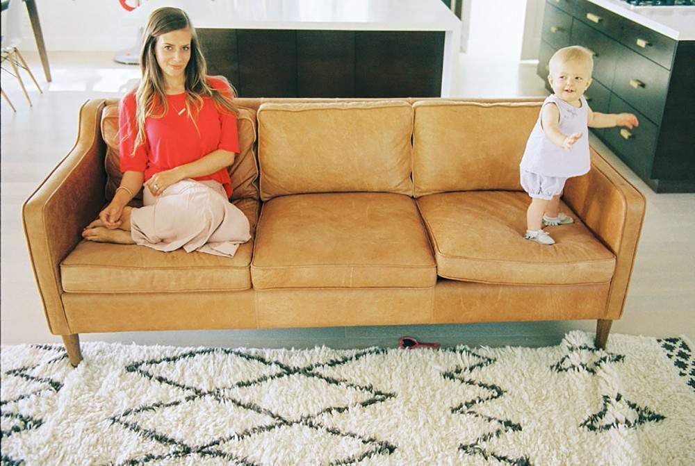 4_photo of mother and daughter on couch by brooke schultz