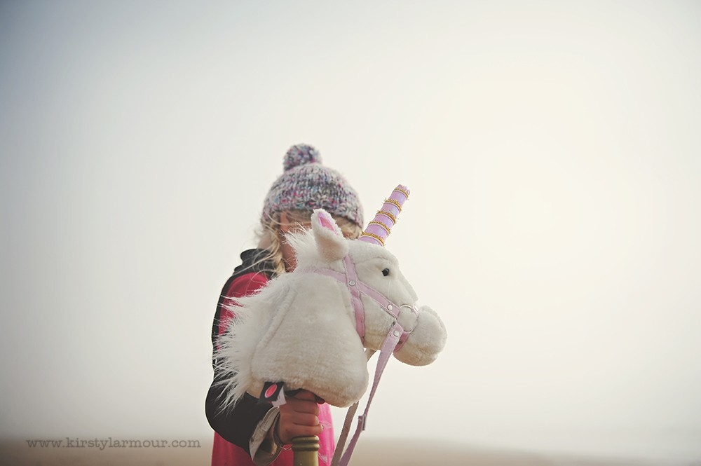 stuffed unicorn with girl by UAE photographer Kirsty Larmour02