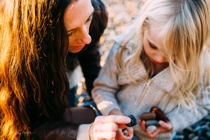 11 picture of mother and daughter looking at stones rocks Vancouver Family Photographer - Emmy Lou Virginia Photography-35