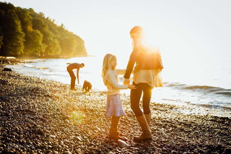 12  photo of family of four on beach Vancouver Family Photographer - Emmy Lou Virginia Photography-36