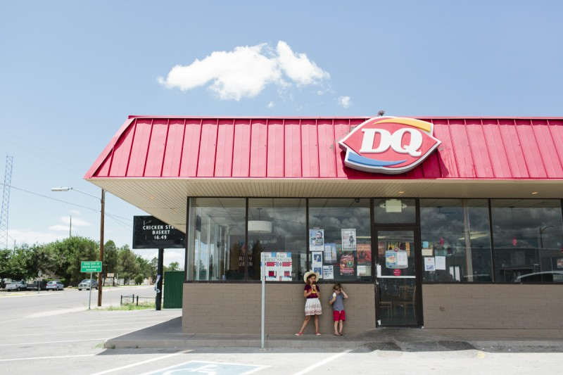 20 children stand outside dairy queen in malfa by texas photographer brooke schwab