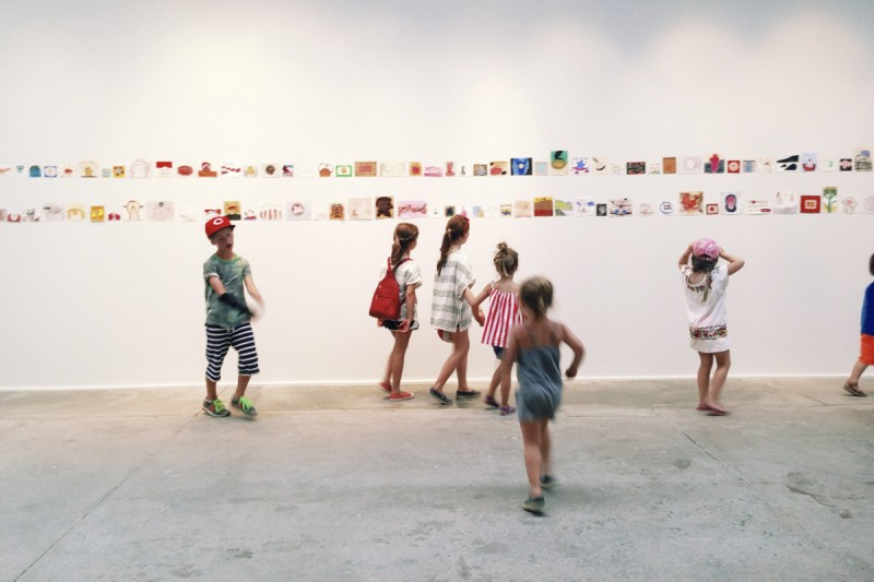 24-children-explore-an-art-museum-by-texas-photographer-brooke-schwab