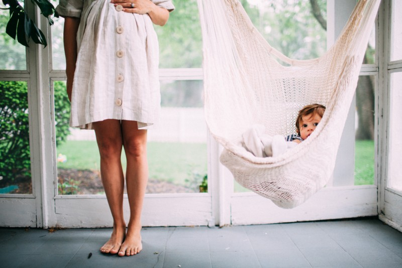 a maternity photo of mother and child by kansas city missouri photographer ashley parsons