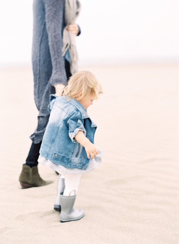mi amore foto's image of jessica lorren's photo holding hands with daughter