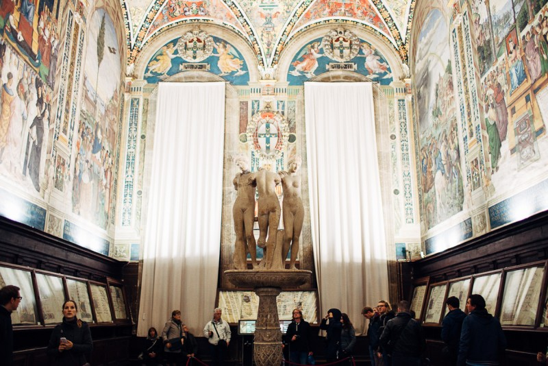 10 Statues and frescoes in Italy by Punch Photographic