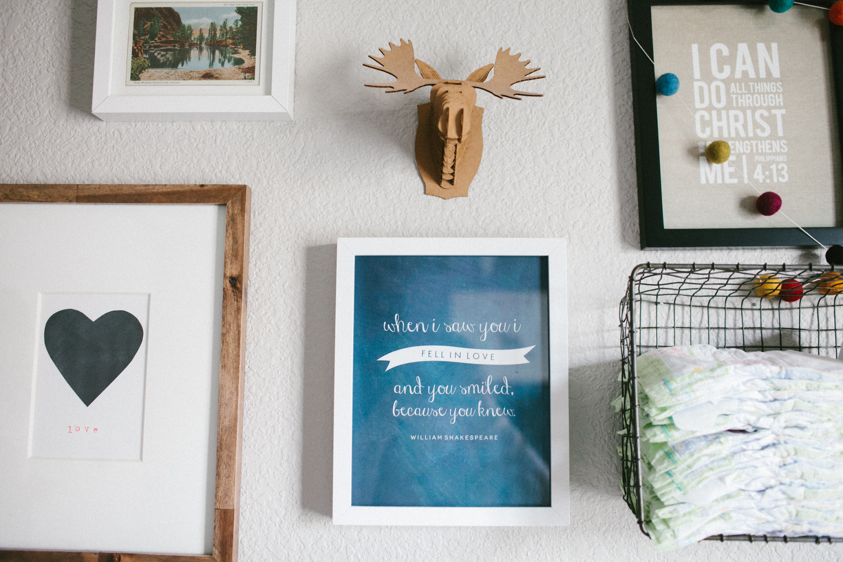 a picture of nursery decor by kansas city photographer we are the parsons
