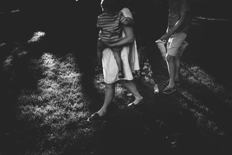 image of family of four faceless walking black and white by Dannie Melissa Wit Abeille Photography