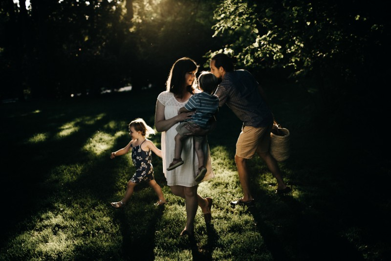 photo of family of four getting ready for picnic by Dannie Melissa Wit Abeille Photography