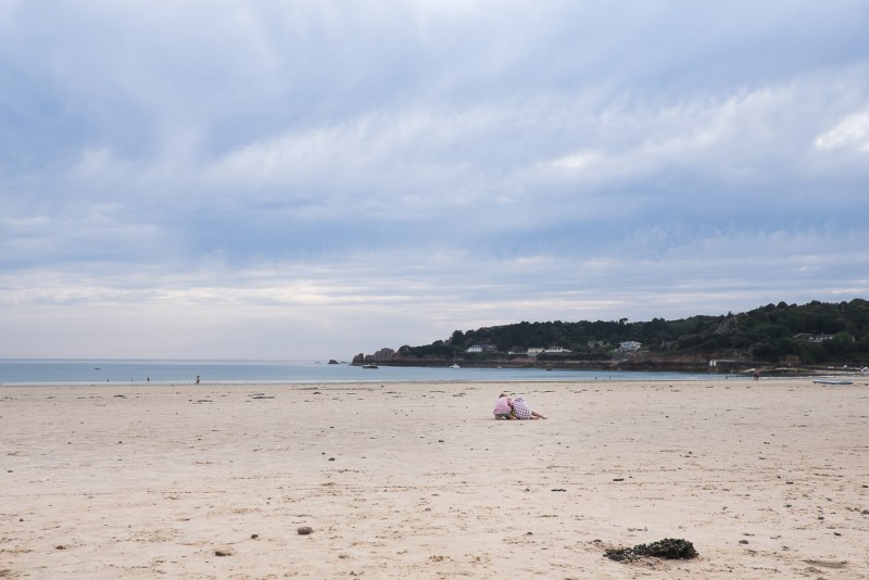 11_2 children play in the sand by Nicola Berry_Beach Love_St. Brelade's Bay_Jersey_Channel Islands