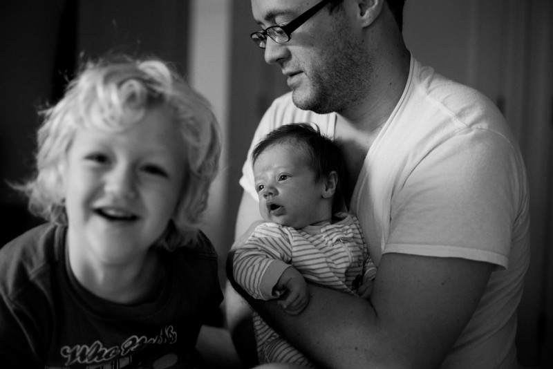 16_A dad with 2 young children in B&W by Amanda ODonoughue_Heart's on Fire_Florida