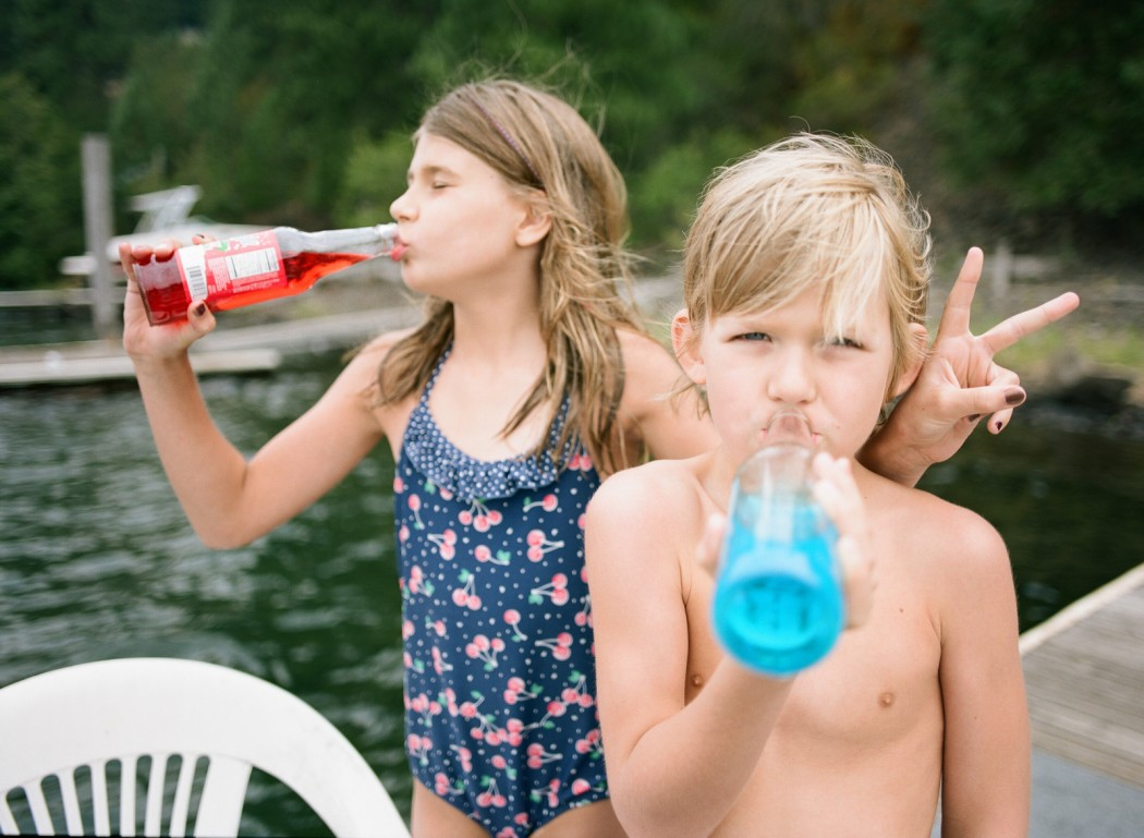 family vacation photos on Coeur d'Alene Lake in Idaho by Kim Hildebrand